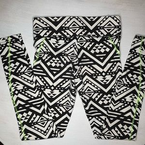 PINK Victoria's Secret Pants & Jumpsuits - Victoria's Secret PINK Aztec print yoga leggings